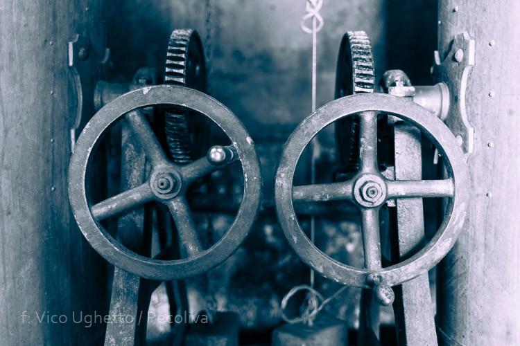 Torneiras de controlo da destilação
